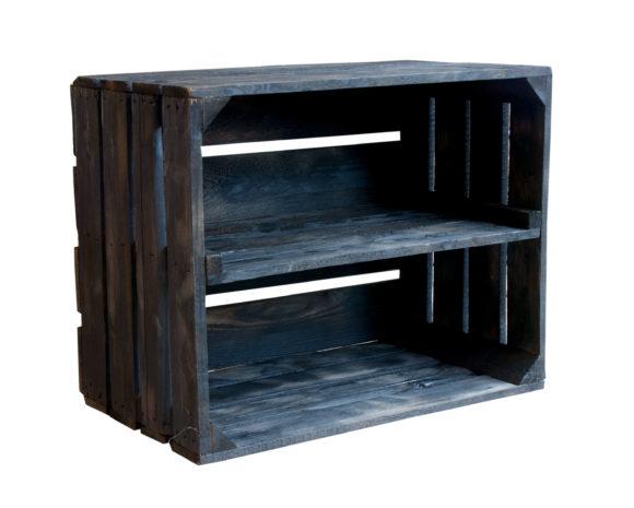 schwarze Holzkiste
