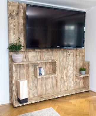 Vintage TV Rückwand aus Bohlenholz