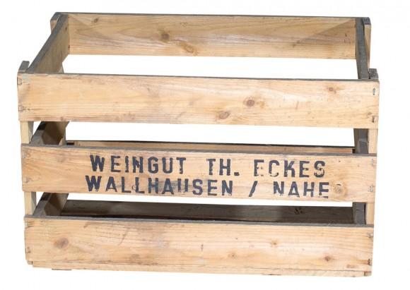 """Alte Weinkiste """"Weingut Th. Eckes"""" 48x32x29cm"""