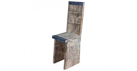 Stuhl aus Gerüstbohlen